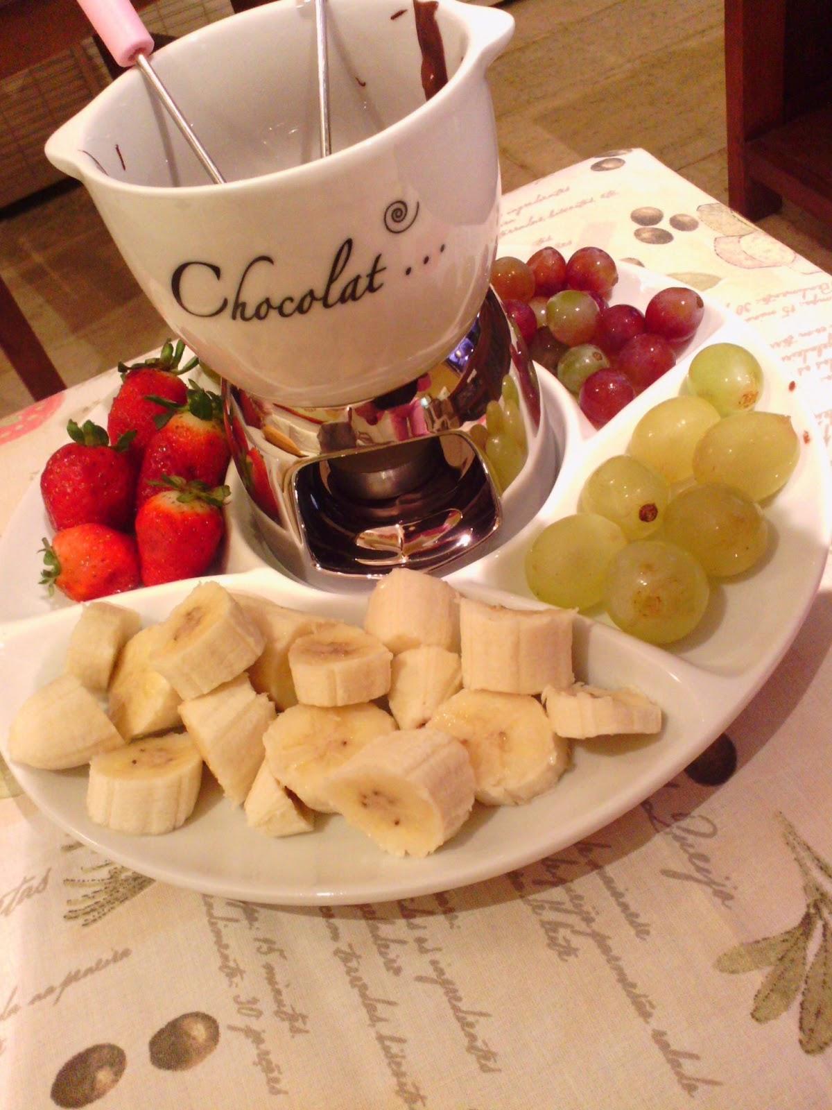 Sonhando e decorando fondue de chocolate - Fondue de chocolate ...