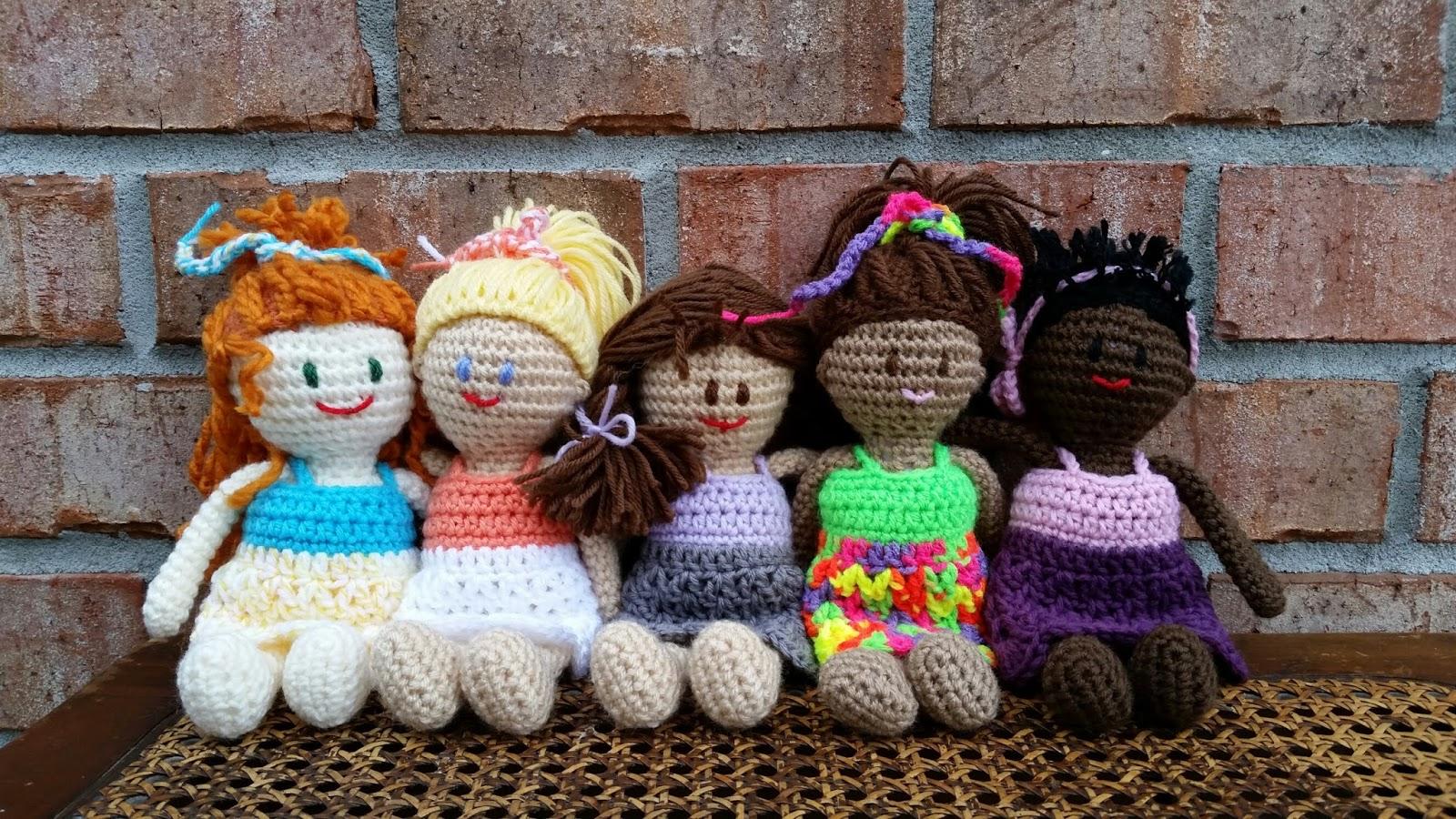 Bizzy Crochet: NEW FREE PATTERN! Pocket BFF\'s- Little Dolls for ...