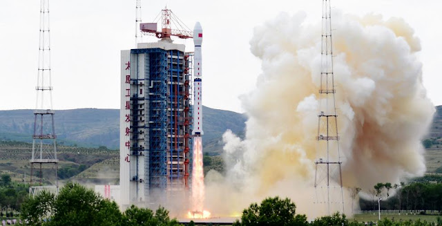 Long March 4B rocket launches Gaofen-8 satellite on June 26, 2015. Photo Credit: Xinhua
