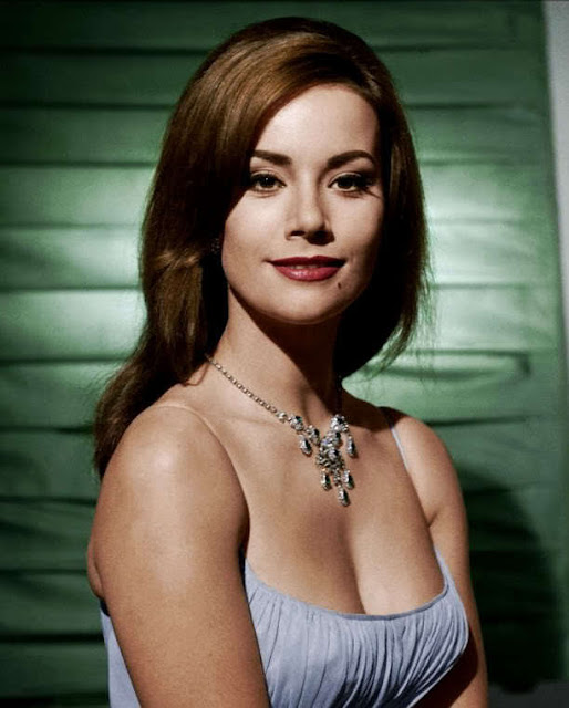 Claudine Auger Video1