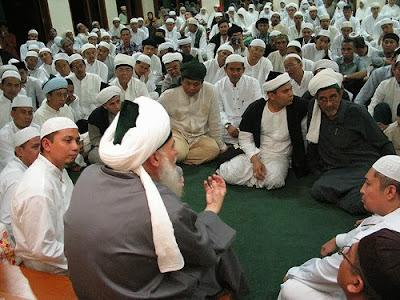 Tawassul dan Istighotsah Menurut Al Qur'an, Al Hadits dan Dalil-dalilnya