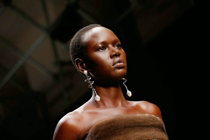 Natural Hair Makes a Comeback on the Runways of Paris and Milan