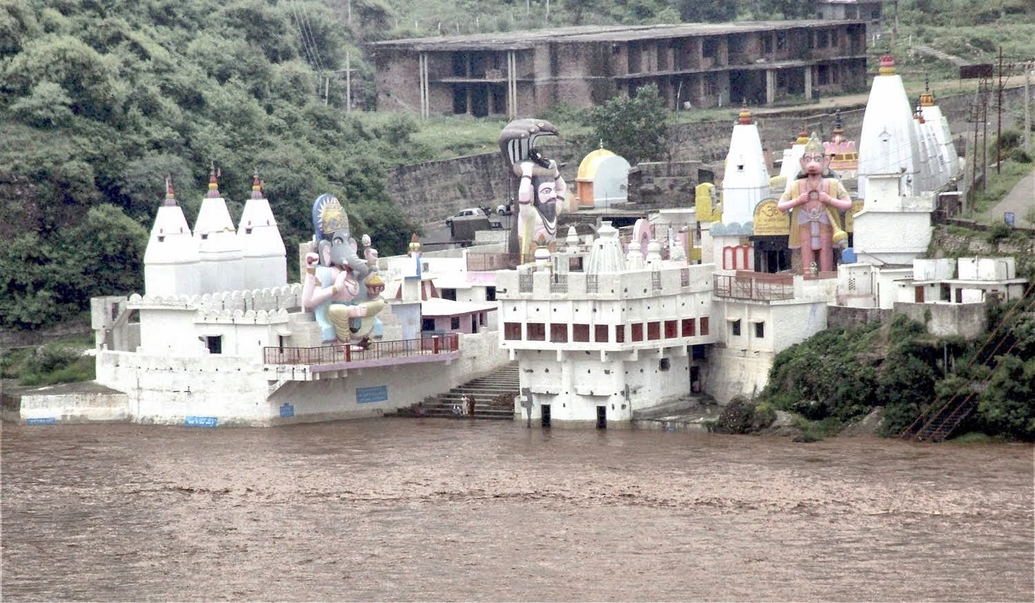 Har ki Pauri Temple located on the bank of Tawi River in J&K