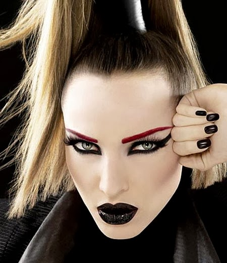 How to Apply Goth Makeup : Beauty Care - Beauty blog
