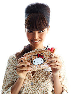 http://yonomeaburro.blogspot.com.es/2011/11/coleccion-hello-kitty-en-forever-21.html