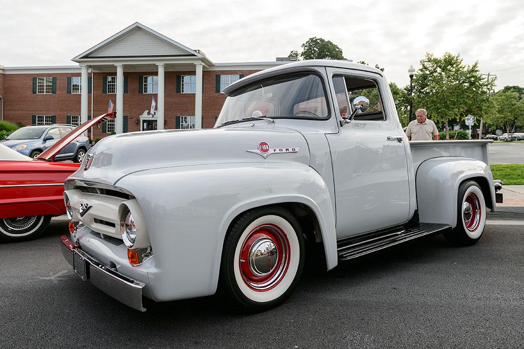 Bob Hiner's 1956 Ford F100
