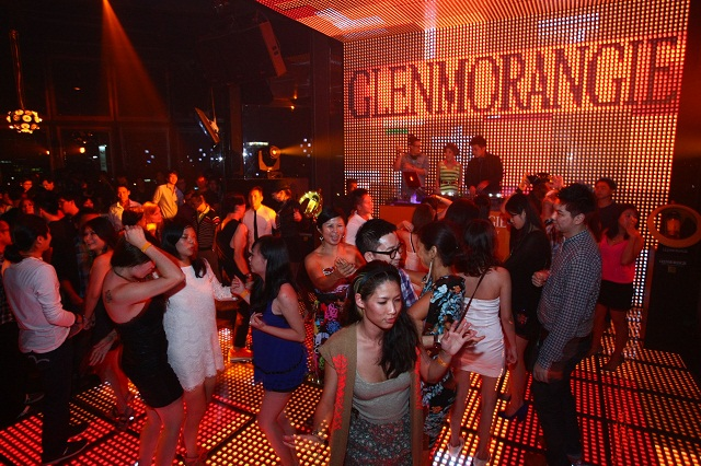 Glenmorangie's SOUNDFORM Fluid Bar Showcase