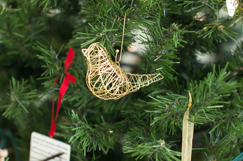 gold wire ornament