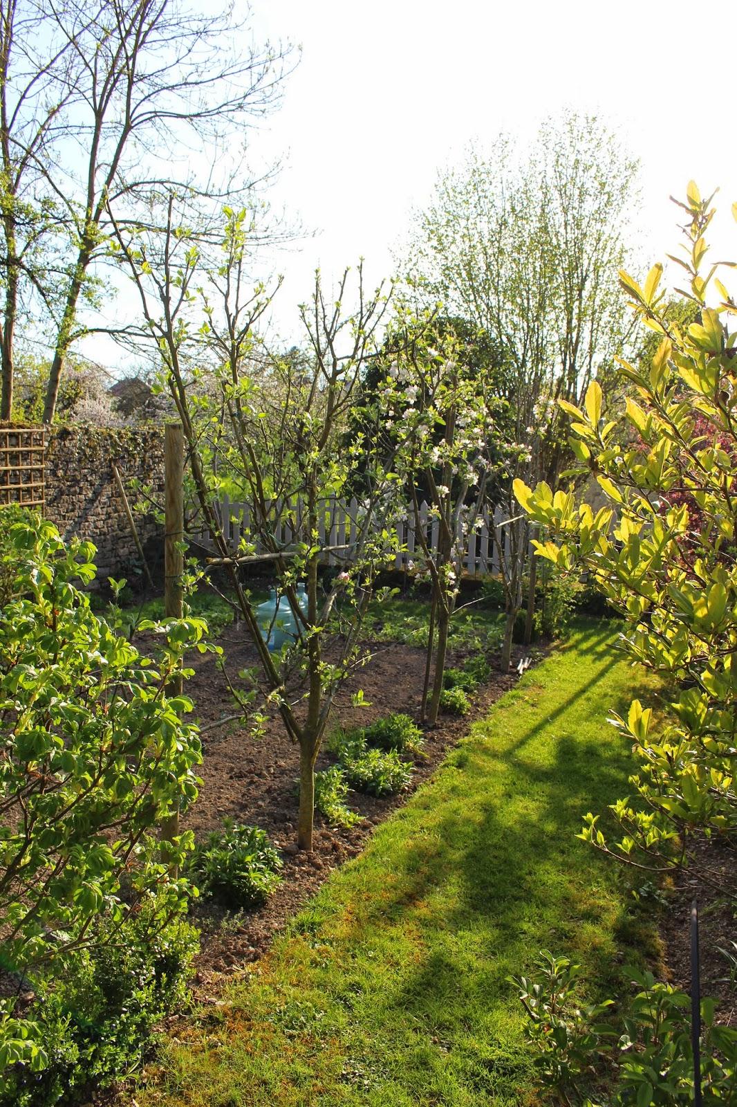 Notre jardin secret iris malus co for Jardin secret 2015