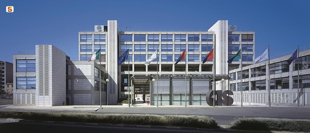 Architettura in sardegna banca cis credito industriale for Progetti di renzo piano