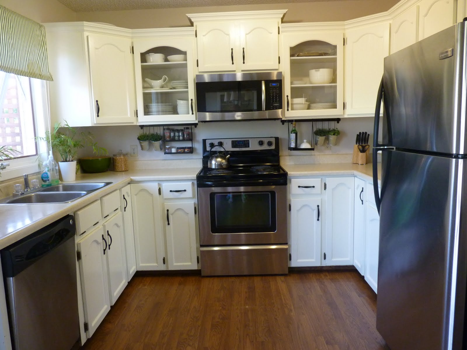 D i y d e s i g n low budget kitchen renovation for Budget kitchen cabinets