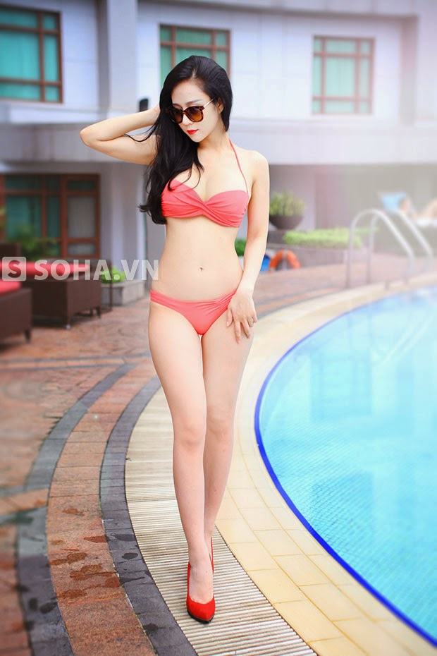 Thanh Hang show off sexy bikini photos, fascinated