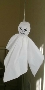 Super Easy To Make Halloween Ghosts