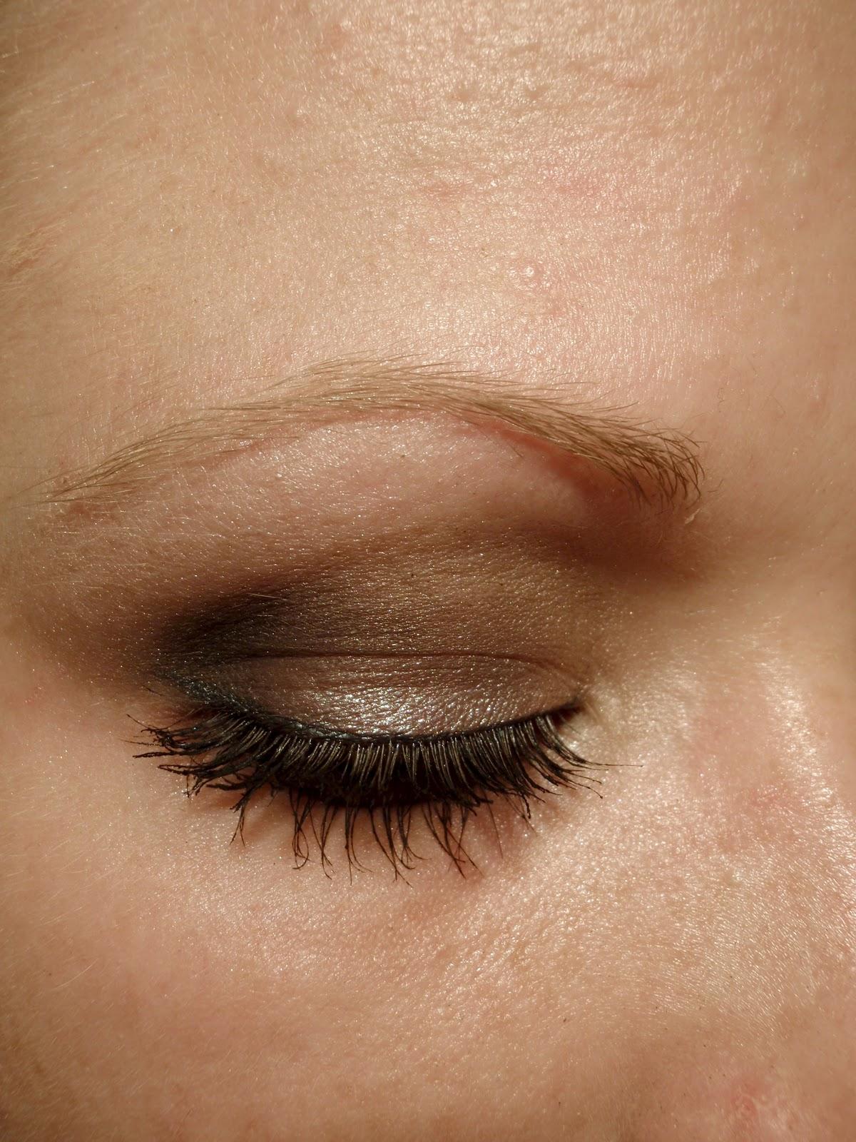 Tutorial Schnelles Smokey Eye In Grau Blush Affair
