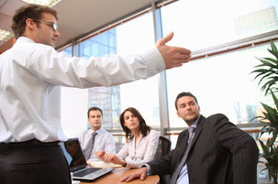 lenguaje corporal al dar un discurso