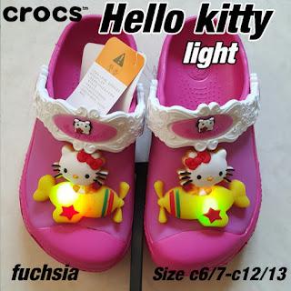 Crocs Hello Kitty lampu fuchsia
