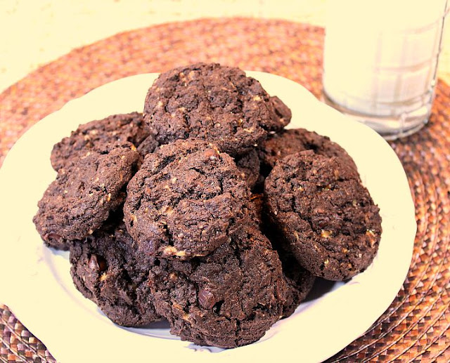 Choco-Oat Toffee Chip Cookies