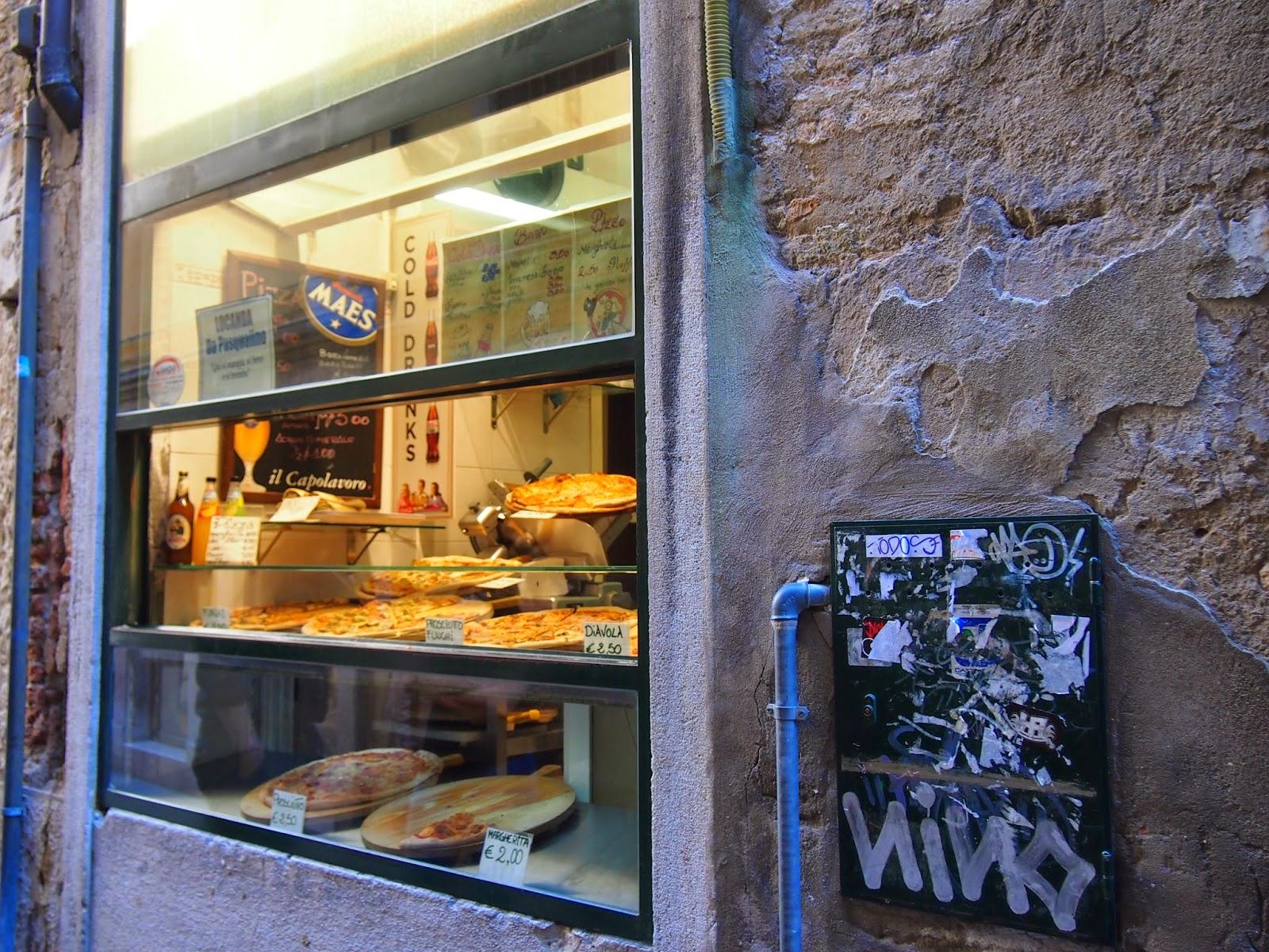 Window pizza shop in Venice