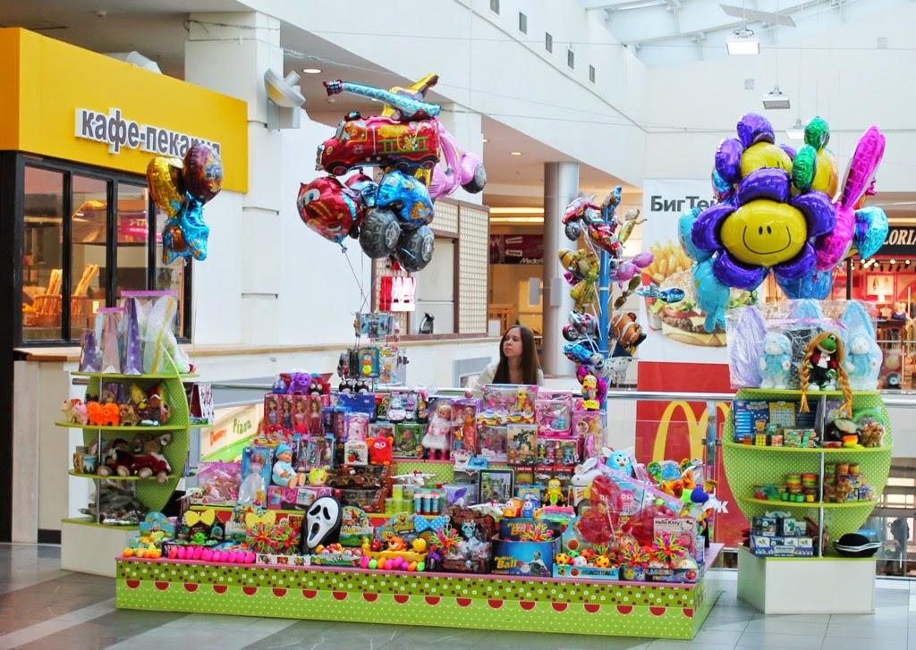 продажа фольгированных шаров на розничной точке