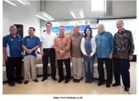 Lowongan Kerja Terbaru Sarjana November 2014 PT Holcim Indonesia