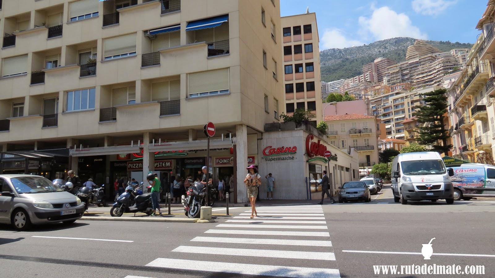 Monaco el pequeo pais del lujo ruta del mate ya no haba tiempo para subir al palacio una larga escalera que nos costara al menos media hora en subir as que sacamos alguna foto mas del puerto fandeluxe Images