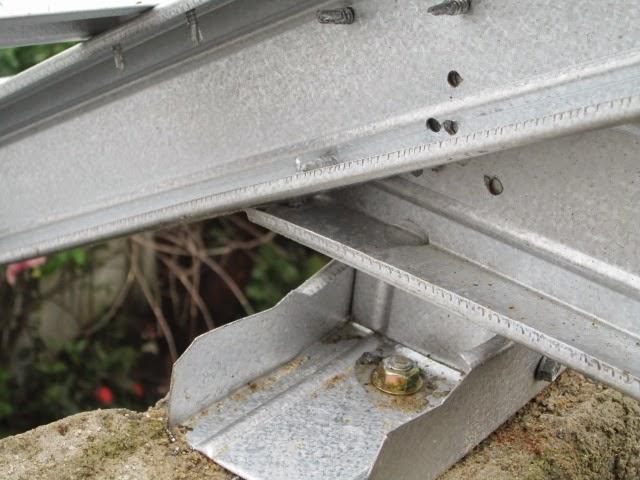 Gambar pemasangan atap baja ringan