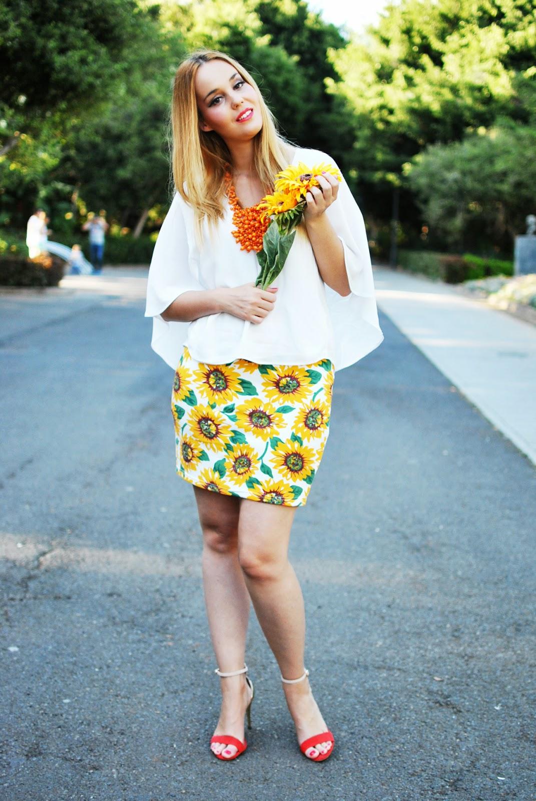 blonde, poppy lux, sunflower print, estampado girasoles, nery hdez, orange, sugarhill,