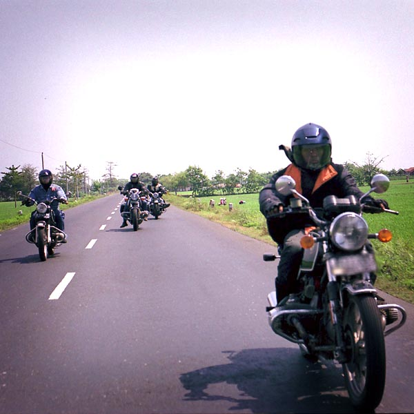 BMW Motorcycle Club Jakarta: BMW R100RS