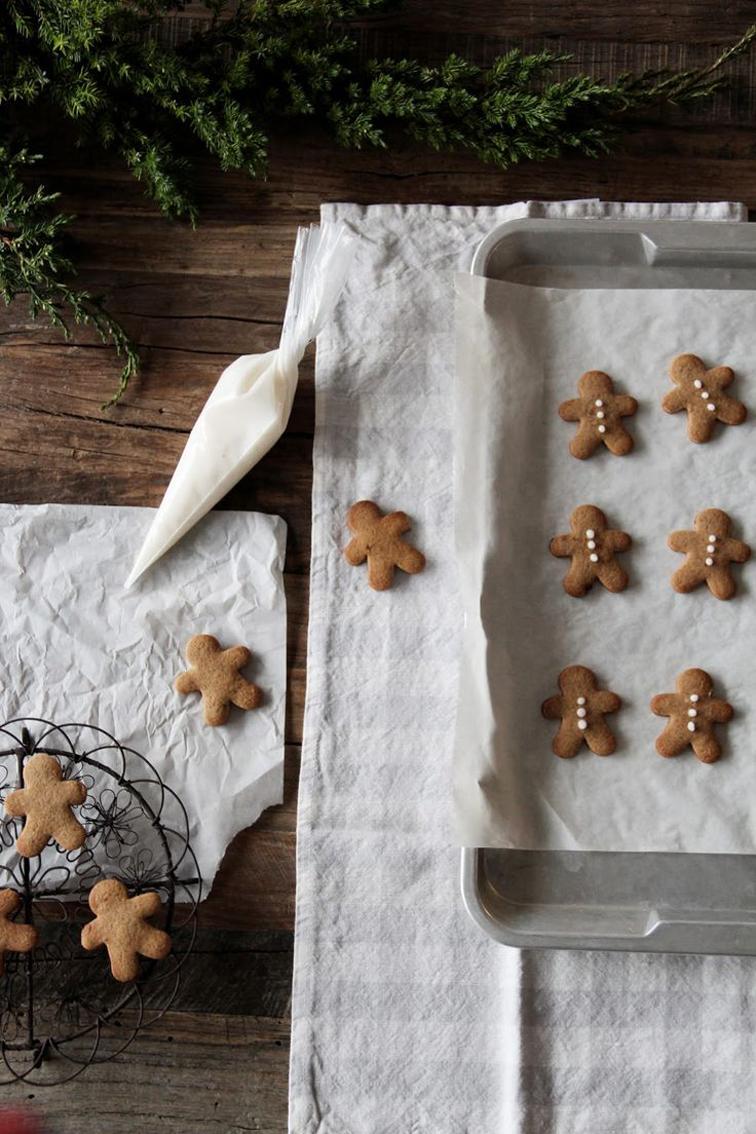 Mini gingerbread cookies, christmastime
