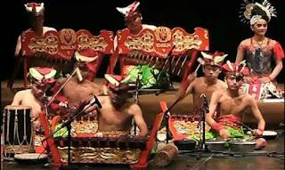 Alat Musik Tradisional Angklung Banyuwangi