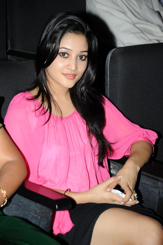 , Ritu Barmecha Hot Pics In Pink Top