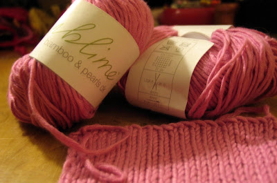 Pinkknit-a-thon: Knitting the Swatch