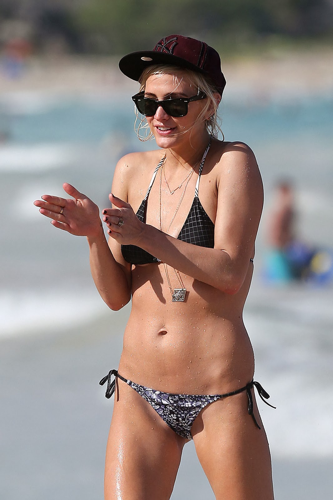 Ashlee Simpson Bikini Gallery of Fun