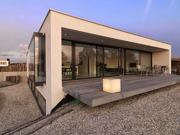 TOP 7 UNIQUE HOUSE DESIGN: BREDA COOL, CUSTOM HOUSE DESIGN WITH UNIQUE STYLE AND MODERN SIMPLICITY DOMINATED BY GLASS IN NETHERLANDS