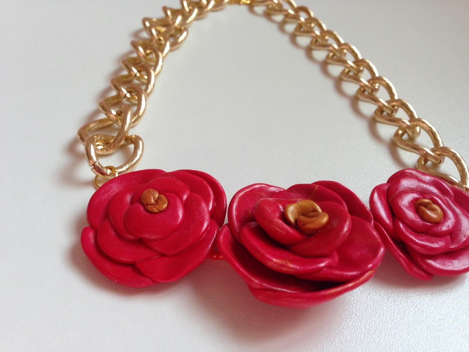 Collar corto tres rosas FIMO