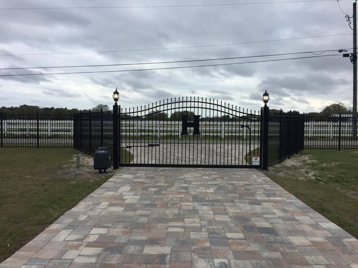 Gate f1