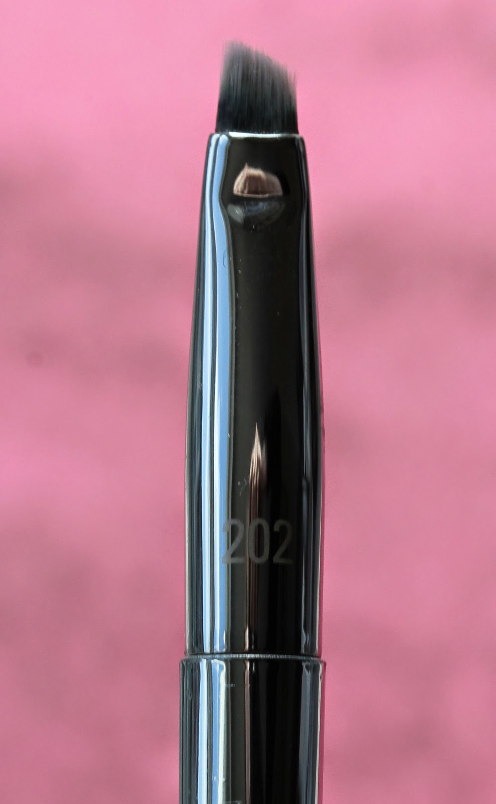 Real Techniques Bold Metals Angled Liner brush