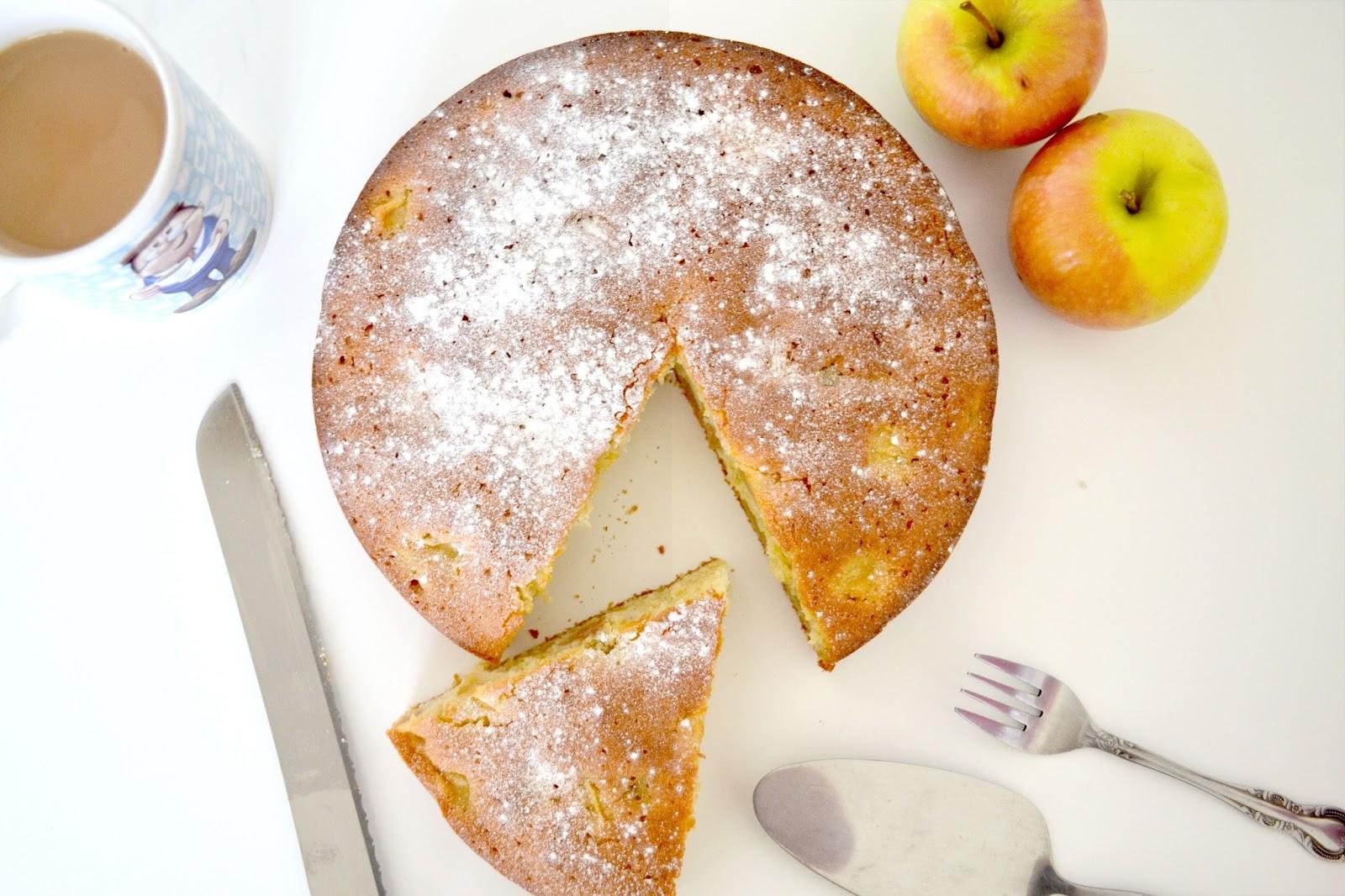 Recipe | Somerset Apple & Cider Cake | Blonde Ambition