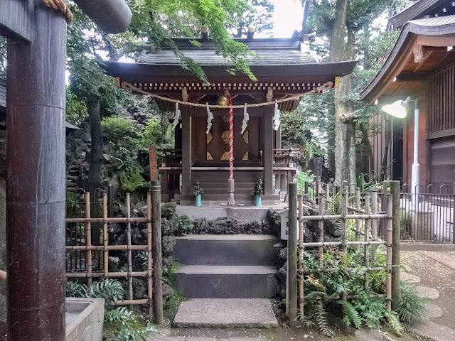月見岡八幡神社内,浅間神社,新宿,落合〈著作権フリー無料画像〉Free Stock Photos