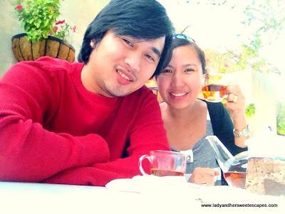 ed and Lady happy at Arabian Tea House