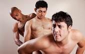 3 machos trepando bem gostoso
