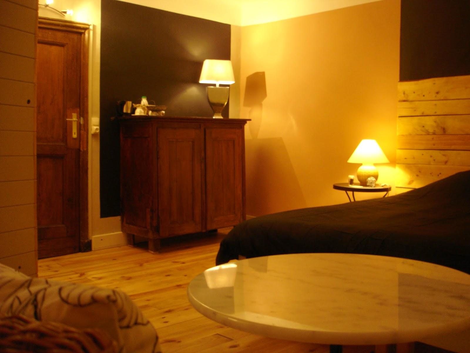hôtes liege dans chambre douillette www.hotel-liege.be