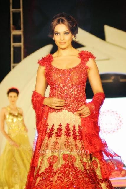 Bipasha basu ramp walk in lehenga at Marigold watches fashion show