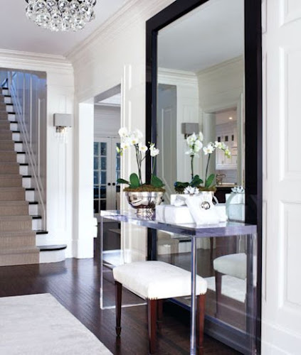 classic chic entryway