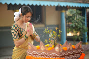 khenisha chandran glam pics-thumbnail-1