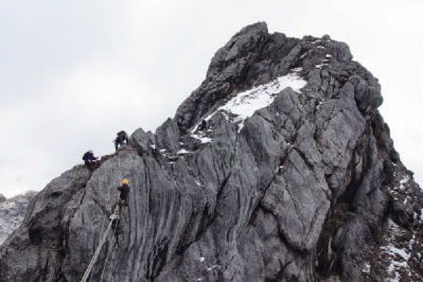 Gunung Cartenz