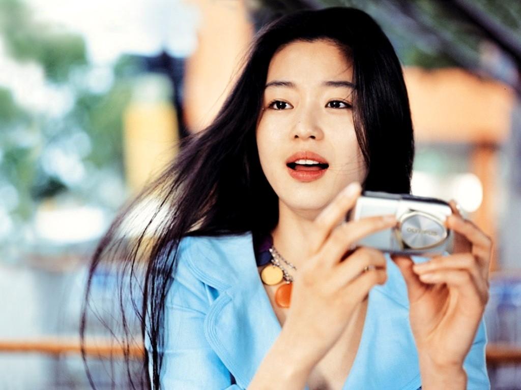 Korean Women Beautiful Lie in a Bea...