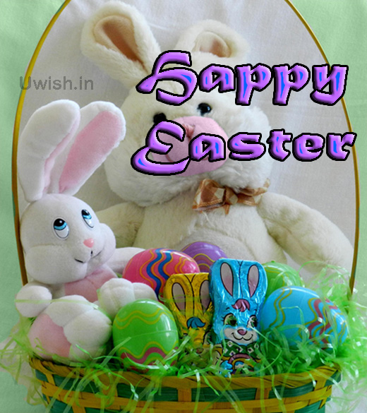 Happy Easter with bunny and bunnies and choclates.  Happy Easter with bunny e greeting card and wishes.