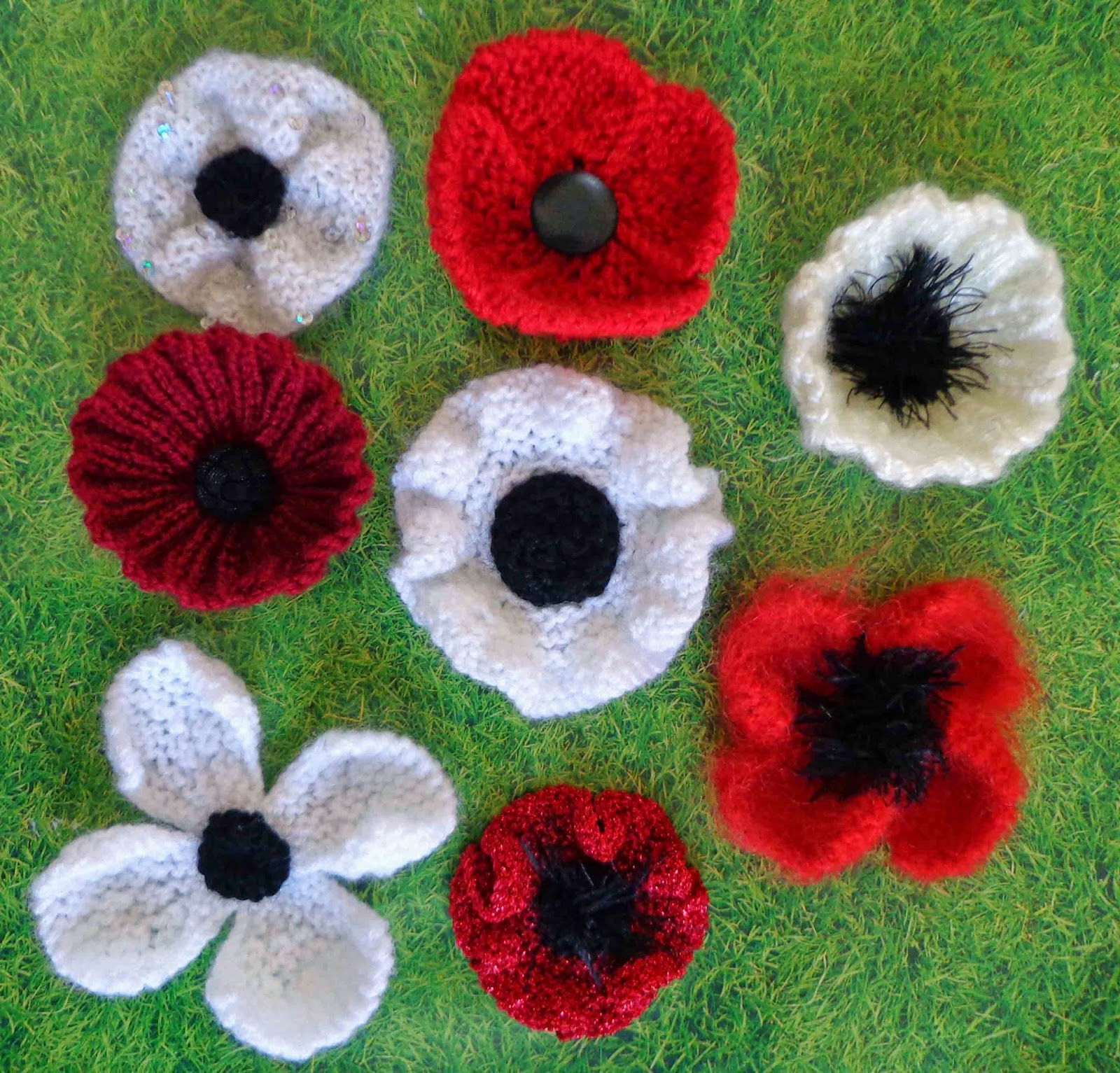 Hippystitch: Yarnstorming Poppies in the Park