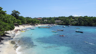 Diving in Island of Nusa Lembongan Bali with Yacht pict